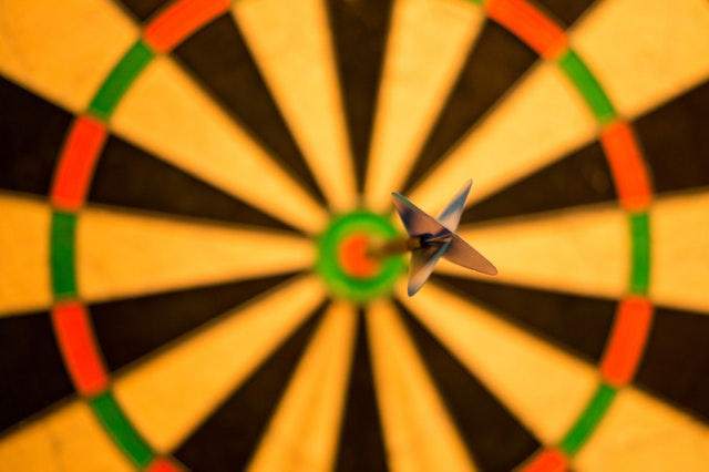 bullseye on dart board